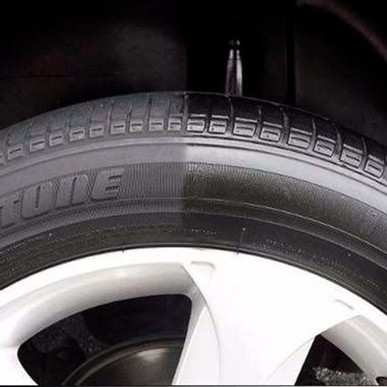 pneu-pretinho-automotivo-brilho-molhado-500ml-vonixx-D_NQ_NP_961746-MLB43156878978_082020-F